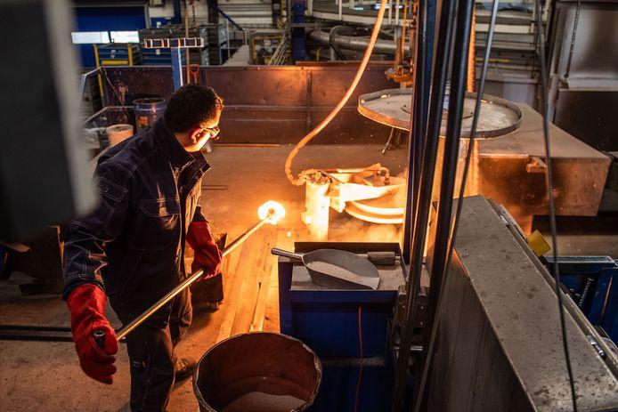 In de fabriek van Cirex worden met de grootste nauwkeurigheid producten gegoten.