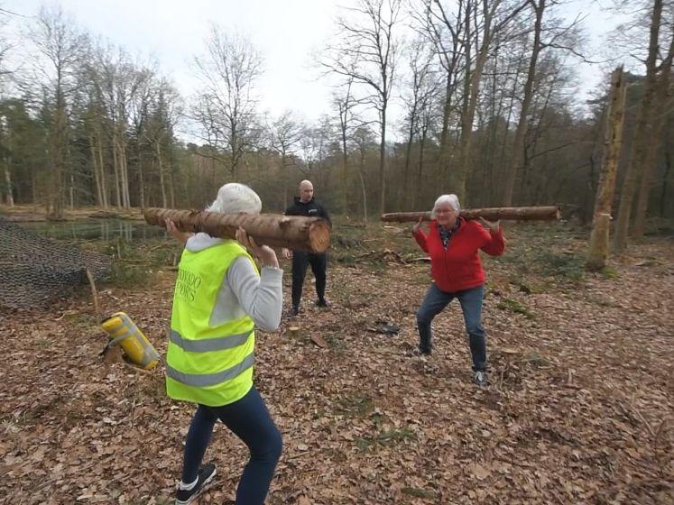 Workout tijdens boswandeling: sportschool komt in actie