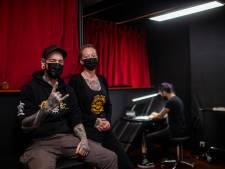 """Ariane (33) en Eddy (31) openen tattoo- en piercingshop in Hoogstraat: """"Elke klant moet zich speciaal voelen"""""""