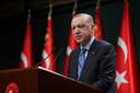 De Turkse president Recep Tayyip Erdogan staat de pers te woord na een kabinetszitting in Ankara.