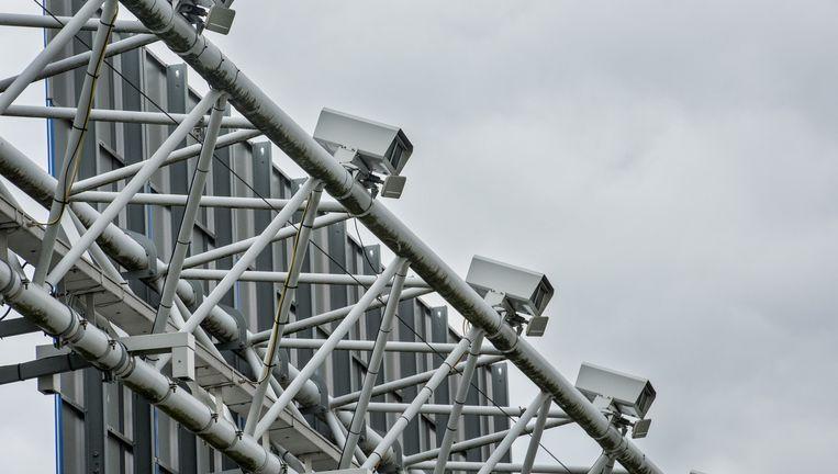Trajectcamera's op de A2 bij Breukelen. De controle had moeten helpen tegen snelheidsduivels. Beeld null
