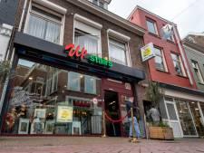 Vernieuwde Arnhemse coffeeshop wil niet meer stiekem zijn: 'Upstairs is een gewone horecazaak'
