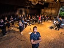 Michiel Bütterhoff wil met koor PopVocals in Losser indruk maken met mooie popliedjes