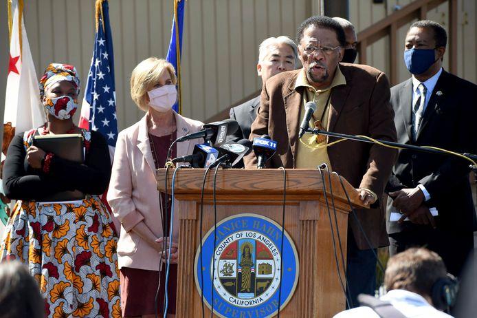 Duane Shepard, een nazaat van de Bruces en woordvoerder van de familie, nam ook het woord.