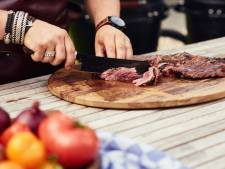 BBQ-chef Jord Althuizen laat zien hoe je bavette het lekkerste bereidt