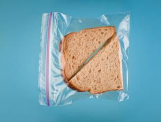 Zo sluit je herbruikbare plastic zakjes wél correct af