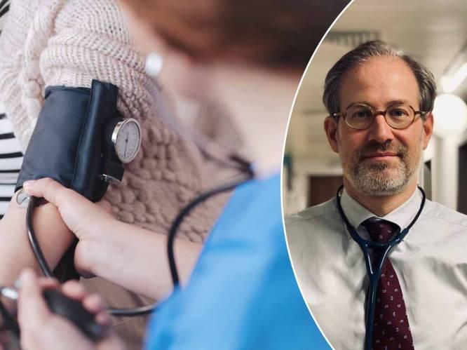"""""""Hypertensie is een 'silent killer', je voelt vaak niet dat je bloeddruk te hoog is"""": prof legt uit wat je eraan kan doen"""