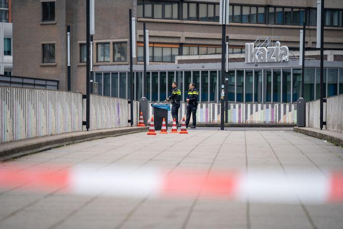 Er is zaterdagmiddag geschoten op de Montessoriweg, vlakbij het Ikazia Ziekenhuis in Rotterdam-Zuid.