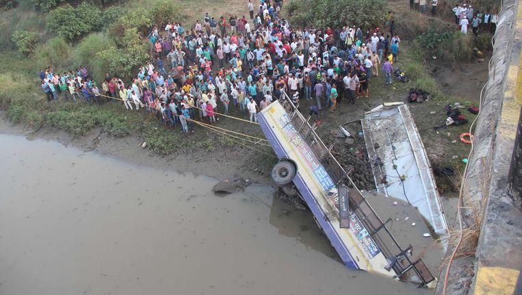 In februari gebeurde ook een ongeval met een bus. Toen vielen er 37 doden. Beeld AFP