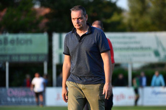 """RC Mechelen-trainer Dave De Herdt: """"De afgelasting is vooral een financiële domper voor de club."""""""