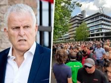 Minuut stilte voor Peter R. de Vries bij boerenprotest in Zwolle