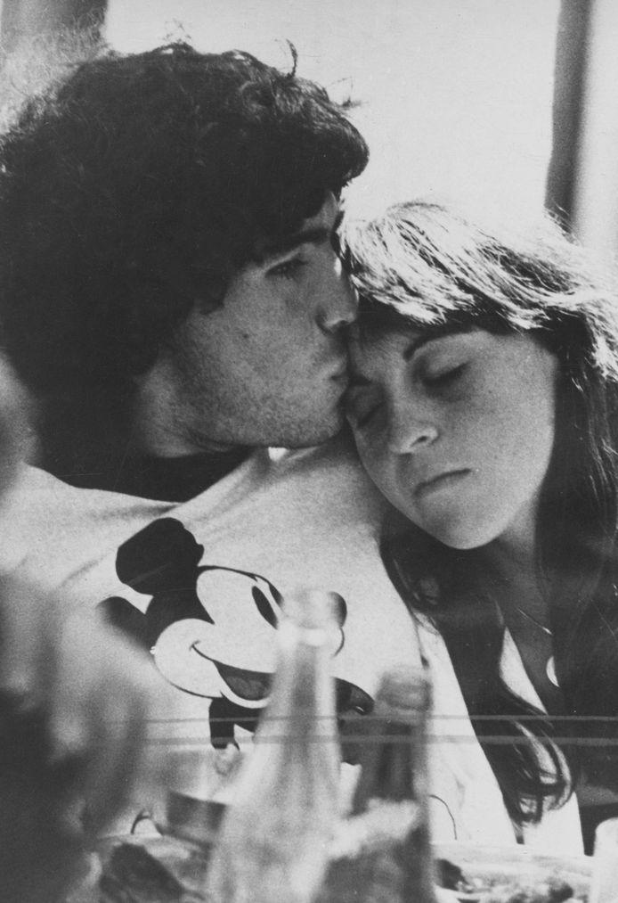 Diego Armando Maradona met Claudia Villafañe