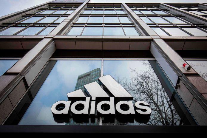 La célèbre marque Adidas s'est engagée à embaucher 30% de personnes de couleur au sein de sa société aux États-Unis.