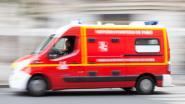 Motorrijder lichtgewond na knal tegen omheining