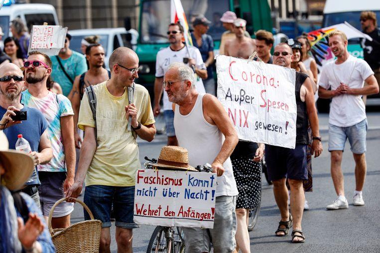 Een eerdere demonstratie tegen de coronamaatregelen in Berlijn, op 15 augustus.  Beeld EPA