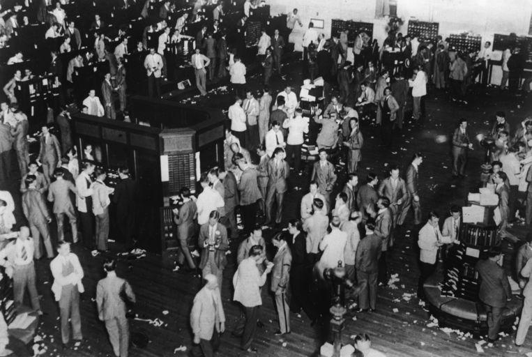 De beurs op Wall Street in New York op Black Friday, 25 oktober 1929.  Beeld Getty