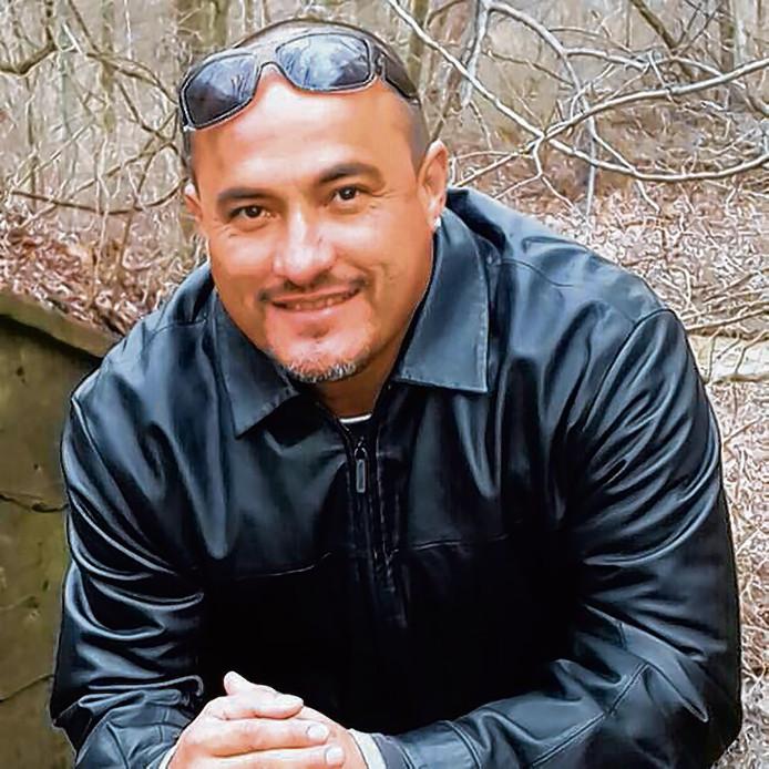 Mitch Henriquez overleed in 2015 na een hardhandige arrestatie waarbij een nekklem werd gebruikt.