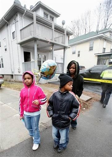 De achtjarige Gabby Morelus kwam een ballon brengen voor haar gewond vriendinnetje Sarafina.