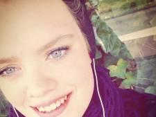 """Elle meurt d'un cancer à 21 ans après une """"banale rage de dents"""""""