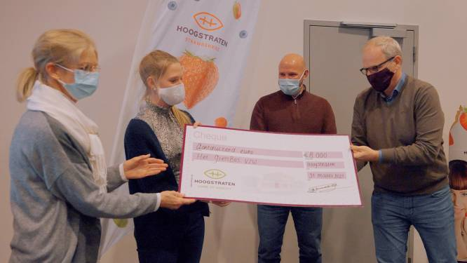 Coöperatie Hoogstraten schenkt cheque van 8.000 euro aan Het GielsBos bij start nieuwe seizoen
