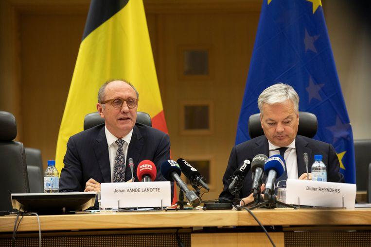 Informateurs Johan Vande Lanotte (sp.a) en Didier Reynders (MR). Beeld BELGA