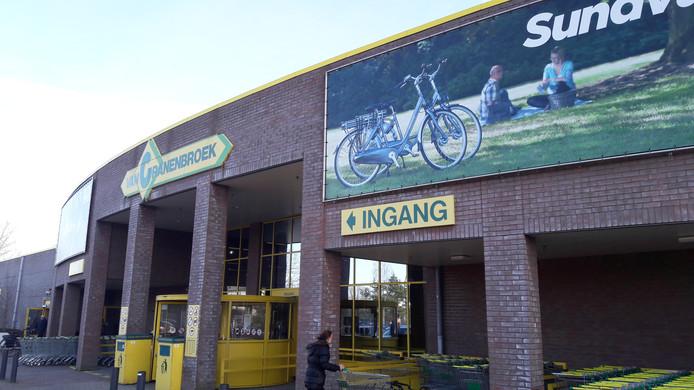 Van Cranenbroek mag voorlopig doorgaan met de verkoop op extra vierkante meters van branchevreemde goederen, zoals fietsen.
