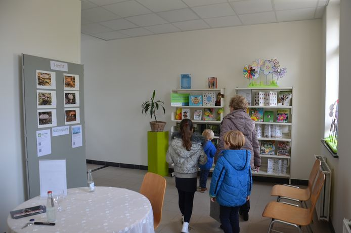 Feestelijke opening nieuw bibfiliaal Denderhoutem. Deze ruimte wordt een natuur-educatief centrum waar Natuurpunt activiteiten kan organiseren.
