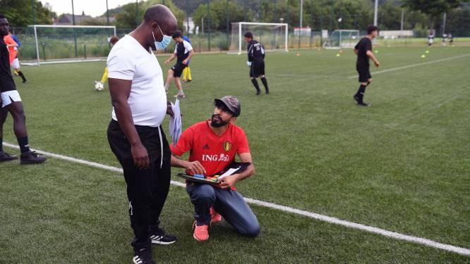 """FOTOREPO: Iedereen op het veld in Leuven voor Wereldvluchtelingendag: """"Zeer trots op alle clubs die zich inzetten voor asielzoekers en vluchtelingen"""""""