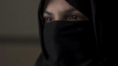 """Khadija's man werd vermoord door IS: """"Onze dochter probeerde de kogel nog uit zijn gezicht te halen"""""""
