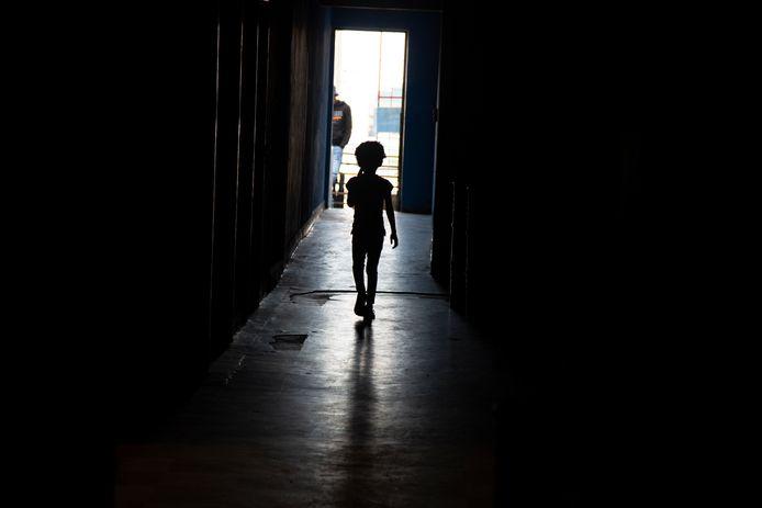 Een kind in een weeshuis in Zuid-Afrika.