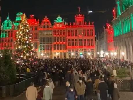 """Du monde sur la Grand-Place de Bruxelles: """"Si c'est ce qui nous attend pour les fêtes, nous devrons nous adapter"""""""
