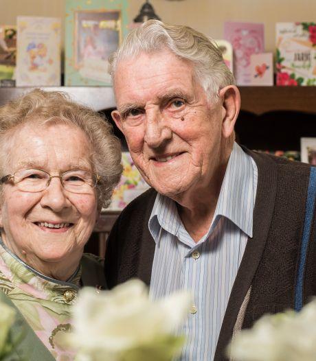 Pieter (88) en Lukina (87) uit Enschede zijn 65 jaar getrouwd: 'Je moet elkaar vrij laten'
