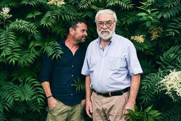 Vader Van den Hoof over zijn zoon : 'Ik ben nog altijd erg zenuwachtig wanneer zijn nieuwe theatershow in première gaat. Een maat voor niks; al iedere keer heb ik me de hele voorstelling lang ziek gelachen.' Beeld Joris Casaer