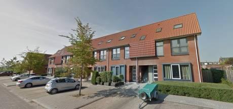Raadslid annex makelaar in de bres voor starters op Noord-Beveland met kleine beurs