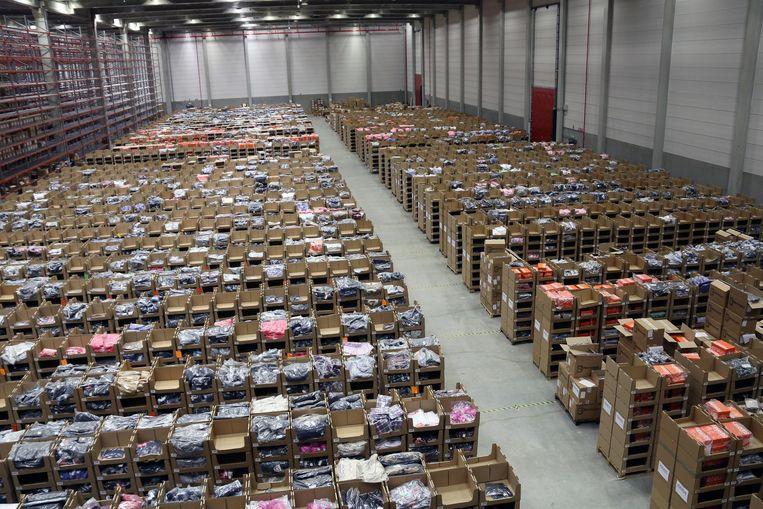 De immense magazijnen van Bleckmann. Het bedrijf breidt de komende maanden nog uit.