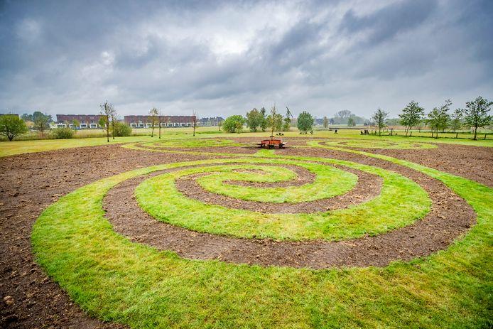 De bloemen moeten nog groeien, maar daarna moet het bloemenlabyrint in Park Zuidbroek een plek worden om te ontspannen, te ontdekken en elkaar te ontmoeten.