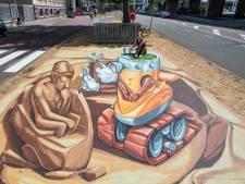 Creatieve driedimensionale beeldhouwmachine ligt er als enige straattekening verloren bij