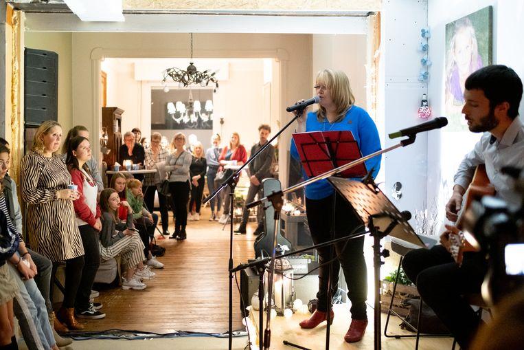 Huiskamerconcert bij Karin Claes, de mama van Jana, als afsluiter van 'Jana for Life'