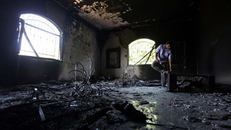 Het uitgebrande consulaat na de aanslag Beeld ap
