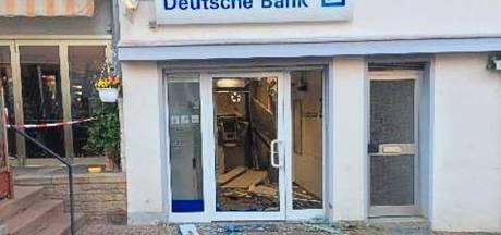 Plofkrakers roven geld uit Duits automaat; politie zet bij achtervolging helikopter in