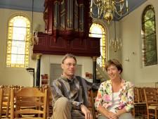 Domineespaar houdt livestreamdiensten vanuit Oudenbosch