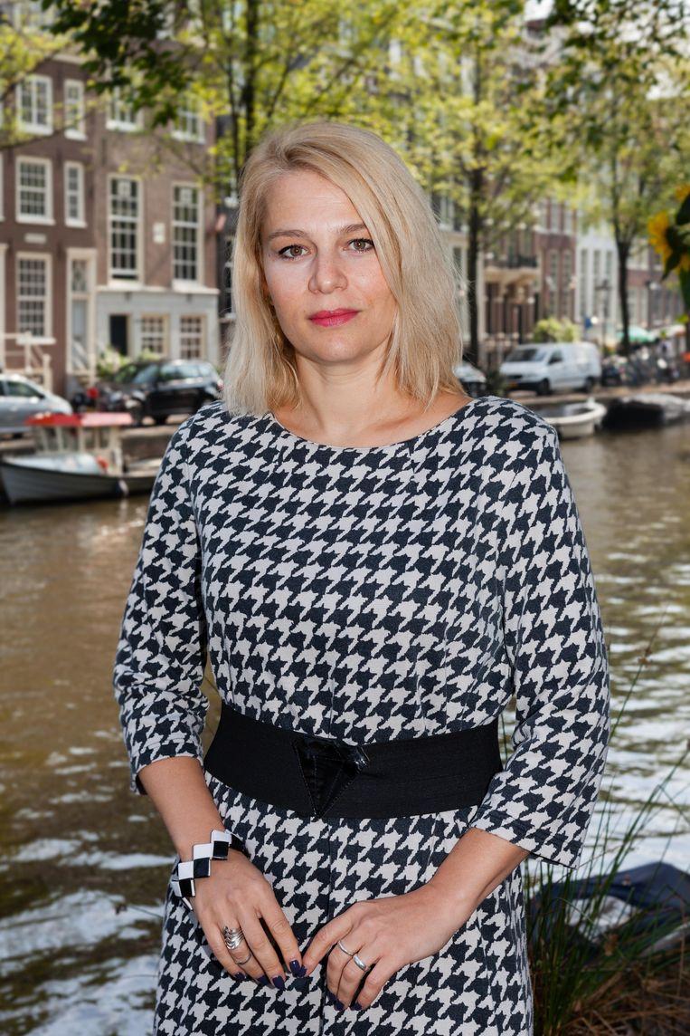 Journalist Veronika Munk stapte op bij haar vorige werkgever toen die in handen viel van een vertrouweling van de Hongaarse premier. Negentig collega's volgden dat voorbeeld.   Beeld Nina Schollaardt