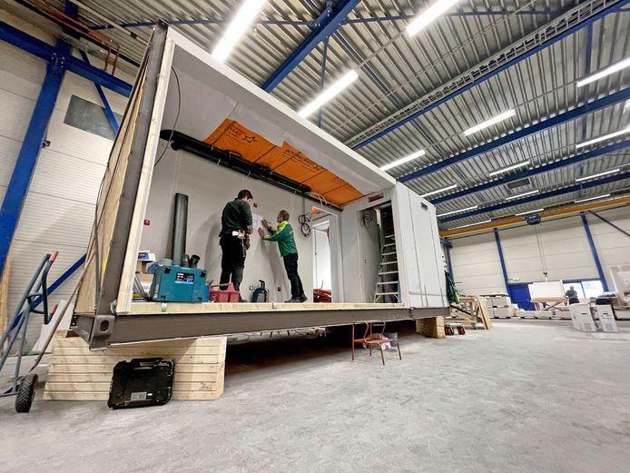 De smart box zoals die door de bouwers van Dura Vermeer wordt gebruikt voor de bouw van een appartementencomplex in Losser.