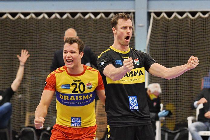Ook VoCasa kon Dynamo zaterdag niet afstoppen. Jeffrey Klok en Jeroen Rauwerdink bejubelen de 3-1 zege in Nijmegen.