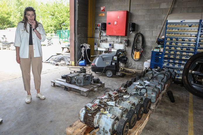 Les moteurs de la mine Calamity dans le hangar, qui a également été inondé.