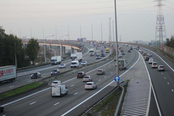 Het viaduct zal in de toekomst langs elke kant vier rijstroken tellen.
