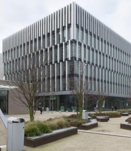 Erasmus Universiteit sluit gebouw, zelfde vloer als parkeergarage Eindhoven Airport