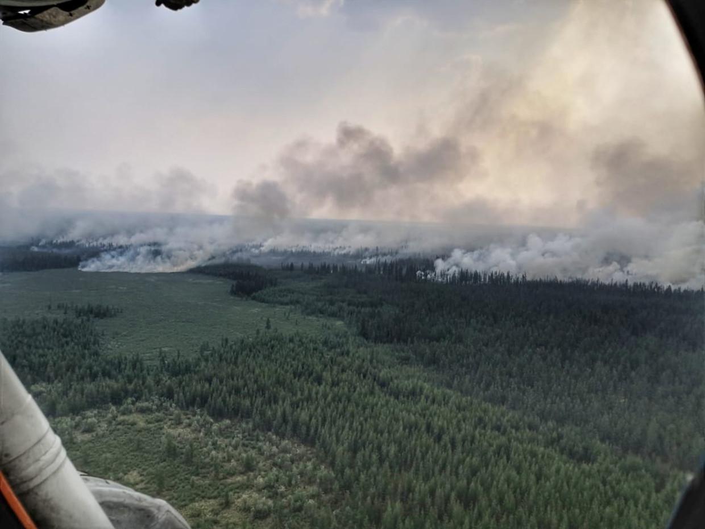 Een gebied ter grootte van België staat in brand. Bewoners hebben last van ademhalingsproblemen.