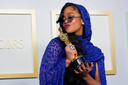 H.E.R. wint een oscar met Fight For You in de film Judas and the Black Messiah