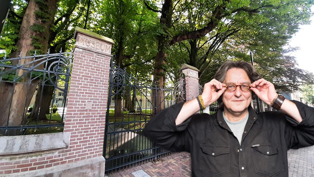 Volgens Kees Thies is Piet Sleeking de enige die daadwerkelijk nog een stokje kan steken voor het plan om een boot door het hek bij het Dordrechts Museum te rammen.